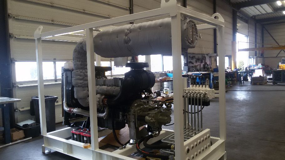 Diesel driven hydraulic power pack for a dredge